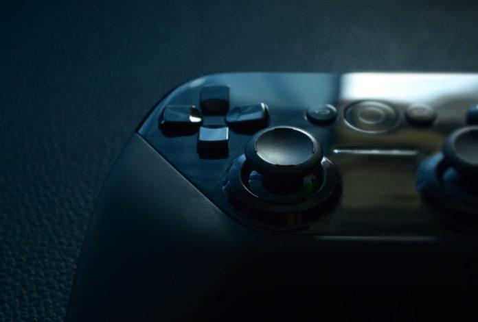 Pad do peceta – Dual Shock 4, Xbox One, czy inny?