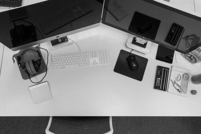 Kilka monitorów do jednego komputera – co musisz wiedzieć?